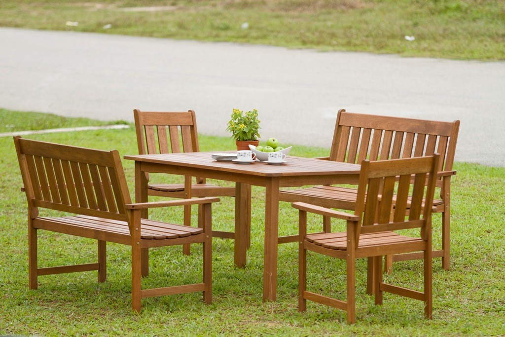42937a74e9c9 Tropický záhradný nábytok